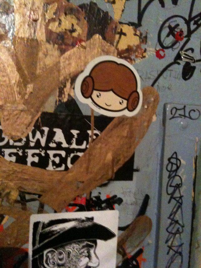 leia-street-art-3d