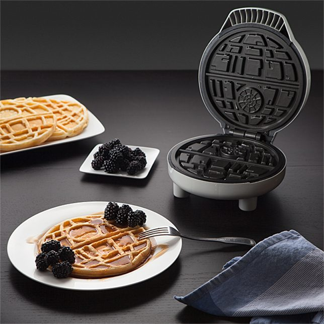 star-wars-gifts-death-star-waffles