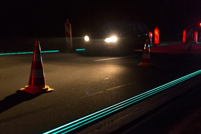 glow-in-the-dark-smart-highway