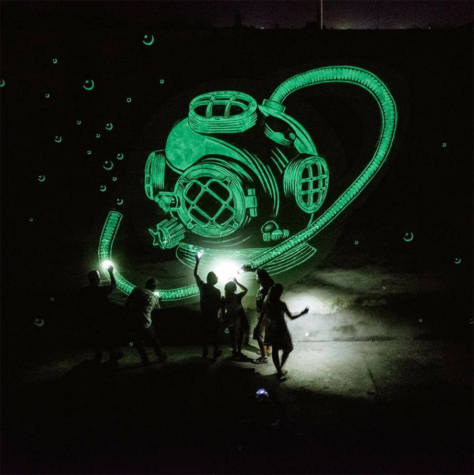 glow-in-the-dark-reskate-mural-1