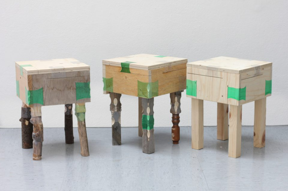 Beau Recycling Genius: Shrunken Plastic Bottles Replace Furniture Joints