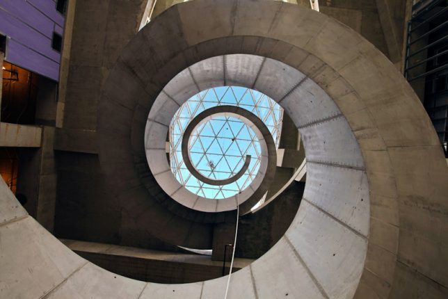 modern-stairs-dali-museum