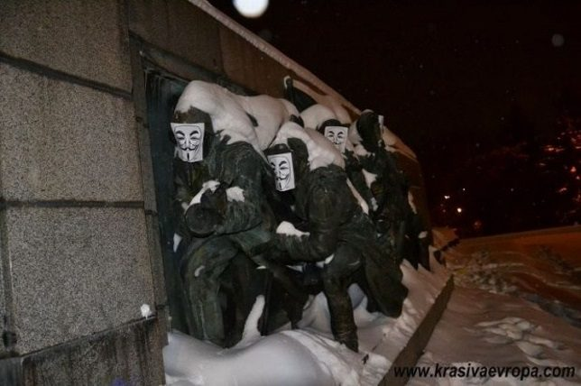 soviet-army-monument-2a