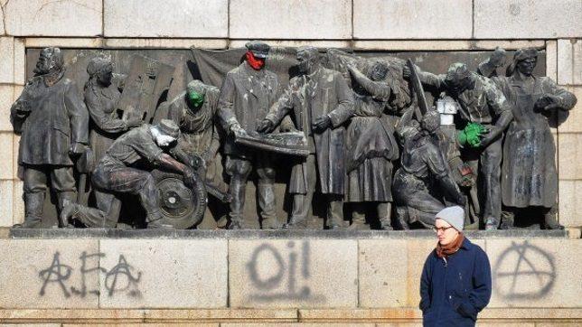 soviet-army-monument-4e