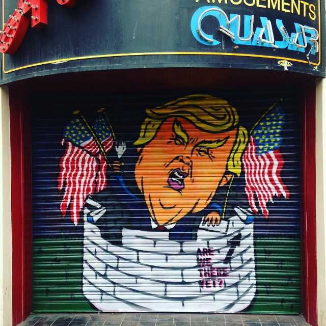 trump-graffiti-2b