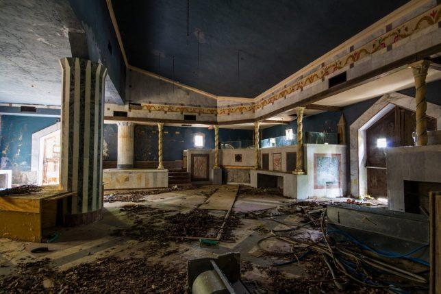 abandoned-disco-1d