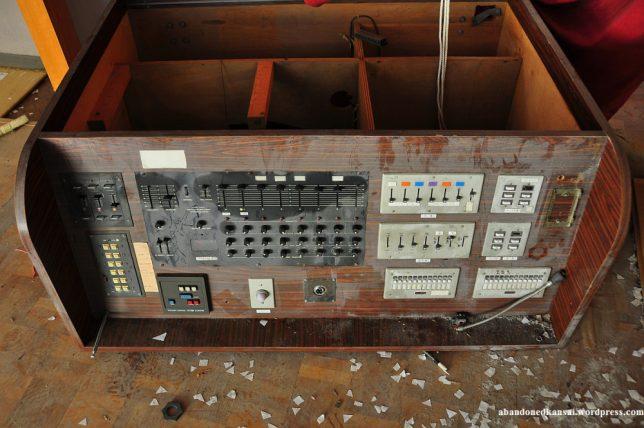 abandoned-disco-2c