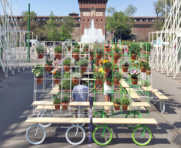 grid garden on wheels