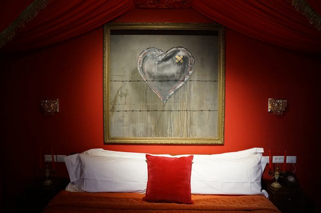 banksy walled off hotel 4