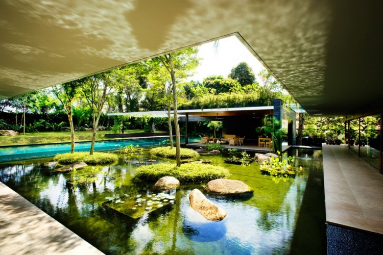 Green House: 17 Residential Designs Intertwined With ...
