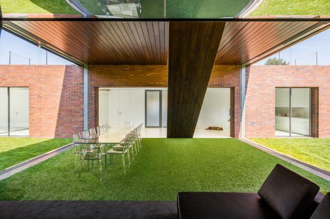 living garden house 2