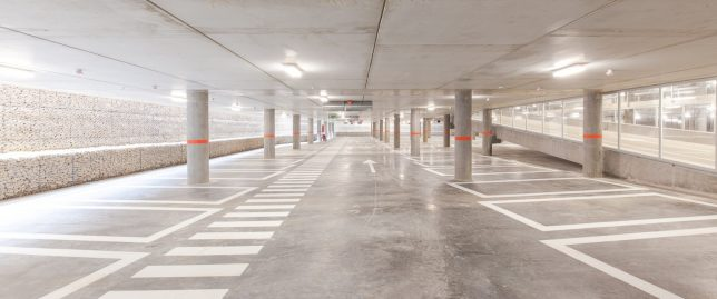 parking garage cliniques 7