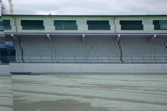 glitch building 1