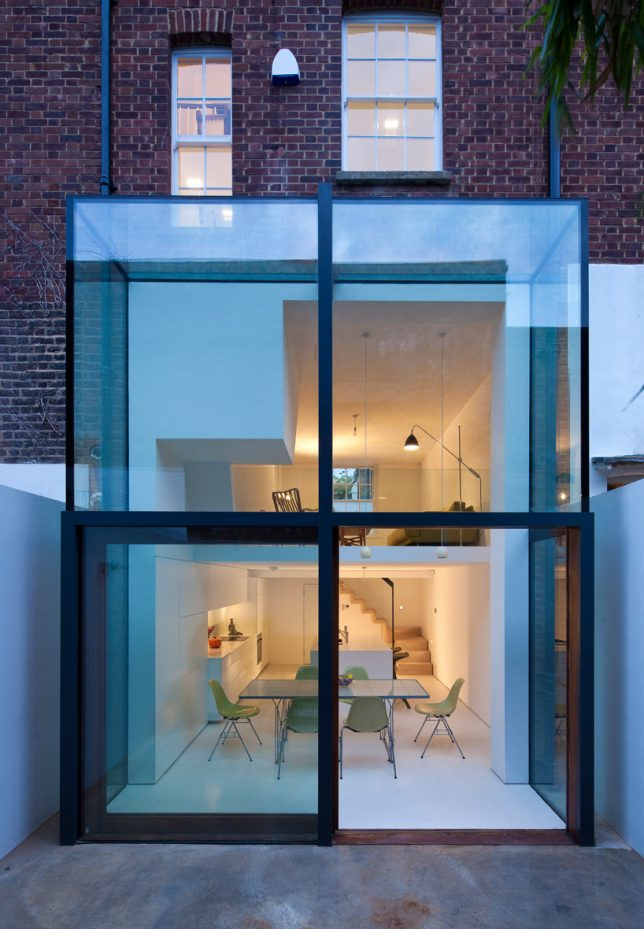 Transparent intentions 13 glass additions to historic for Glass house additions