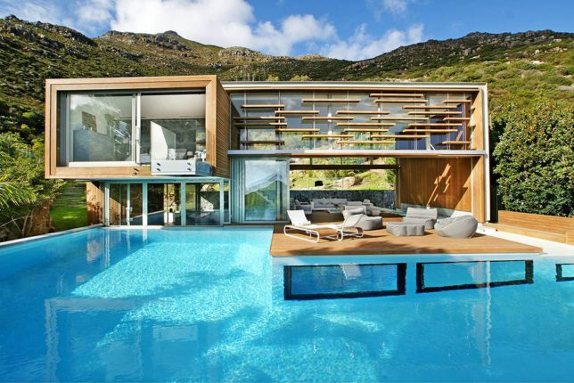 Modern Homes for Mermaids: 12 Houses Built Around Swimming ...