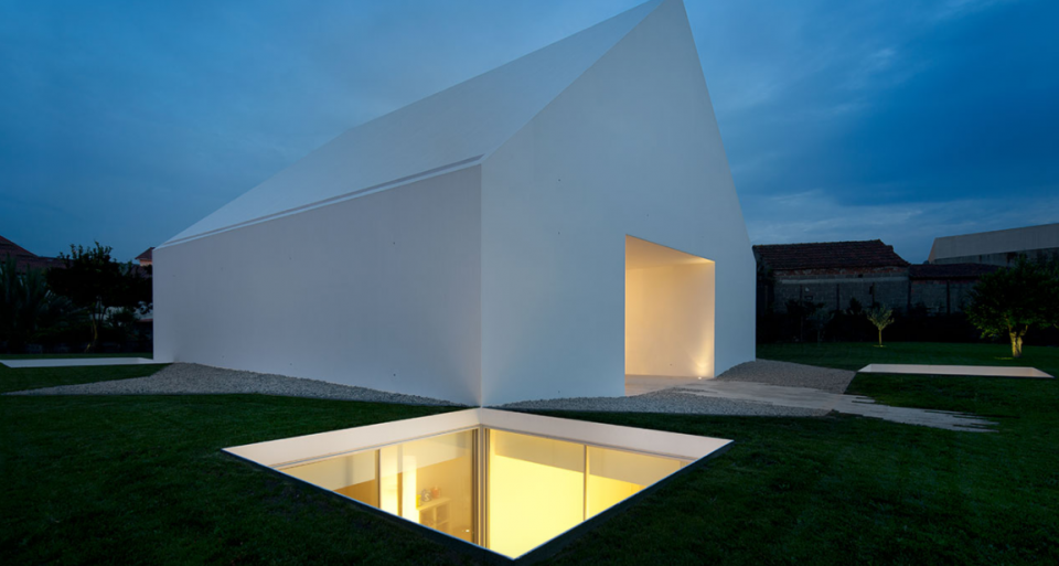 No Windows Problem These 12 Houses Are Bright Beautiful Private