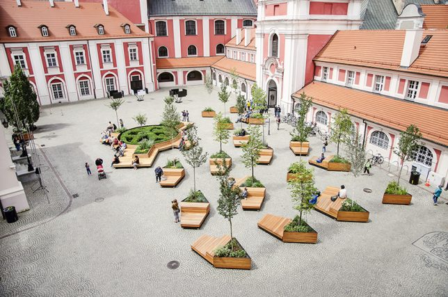 Mobile urbanism wheeled benches planters let public for Mobile furniture design