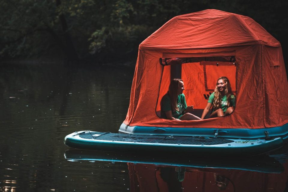 Floating Tent Pole Free Inflatable Structure Pops Up In