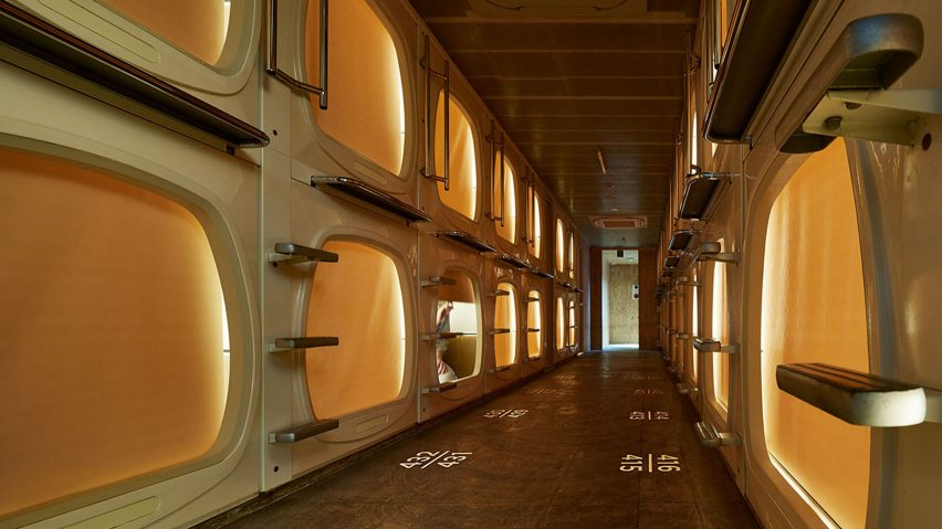 Full steam ahead japanese capsule hotel offers saunas for Design hotel tokyo